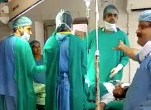 Indian doctors hurl abuse at each other in operating theatre